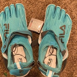 Fila Skele-Toes athletic shoes. Woman's NWT